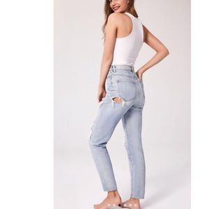 Urban outfitters destroyed mom jeans